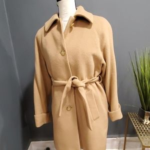 Larry Levine tan 3/4 100%camel hair coat size 6